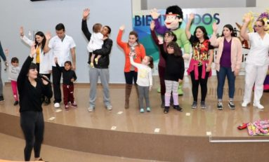 Presenta CEDH show de DENI a niñas y niños del Hospital Infantil