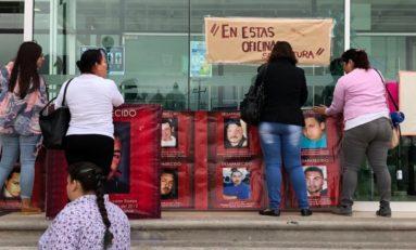 "Protestan madres de ""mujeres desaparecidas"" frente a Fiscalía"