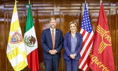 Recibe Maru Campos visita de alcalde de Albuquerque y cónsul de México