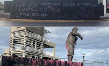 Amanecen con pintas monumentos a Pancho Villa y al Policía Caído