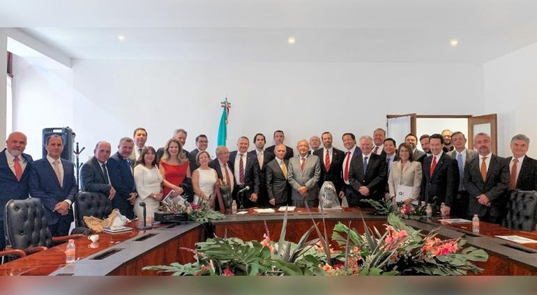 """""""Encuentro constructivo"""" con empresarios de Chihuahua: AMLO"""