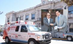 Entrega Secretaría de Salud 2 ambulancias a la UACh