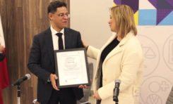 Recibe Alcaldesa Maru Campos certificado PROSARE en mejora regulatoria
