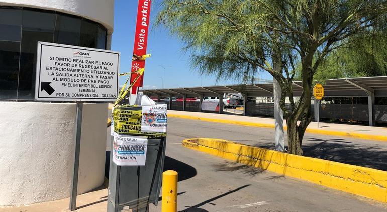 Municipio clausura cobro de estacionamiento en Aeropuerto