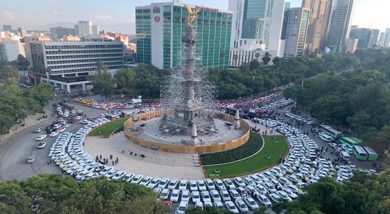 Taxistas paralizan la CDMX; protestan contra Uber, DiDi y apps de choferes privados