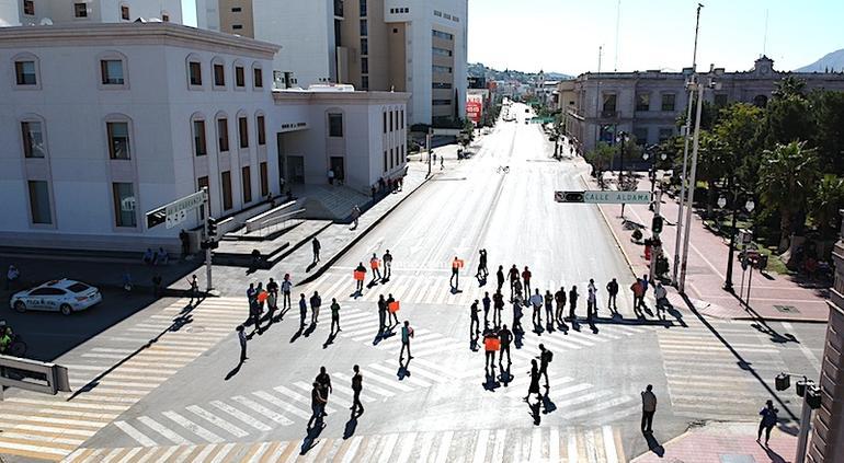 Taxistas retiran bloqueo del centro de la ciudad; sostienen reunión con Gobernación