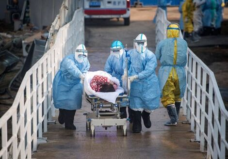 Luego de mil 900 muertos y 73 mil 500 contagiados por coronavirus, llama OMS a la calma